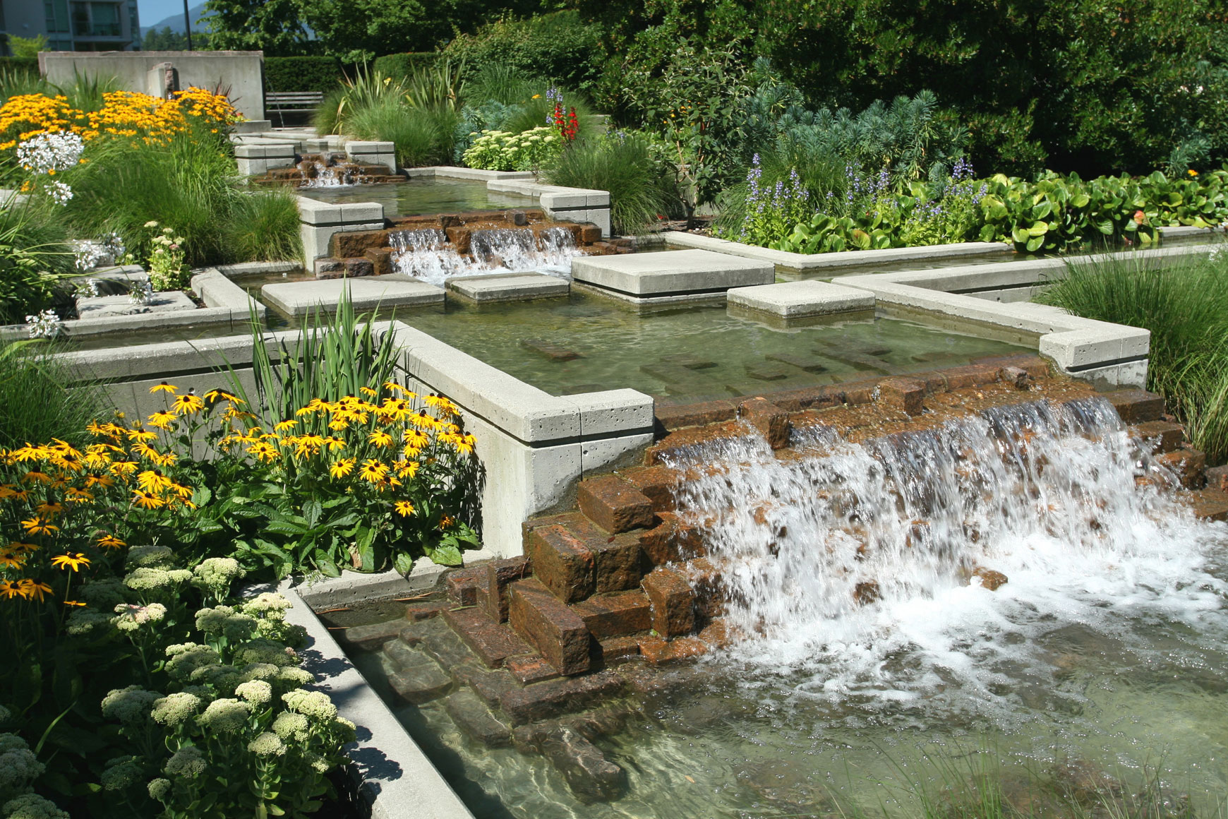 landscape design ideas with rocks