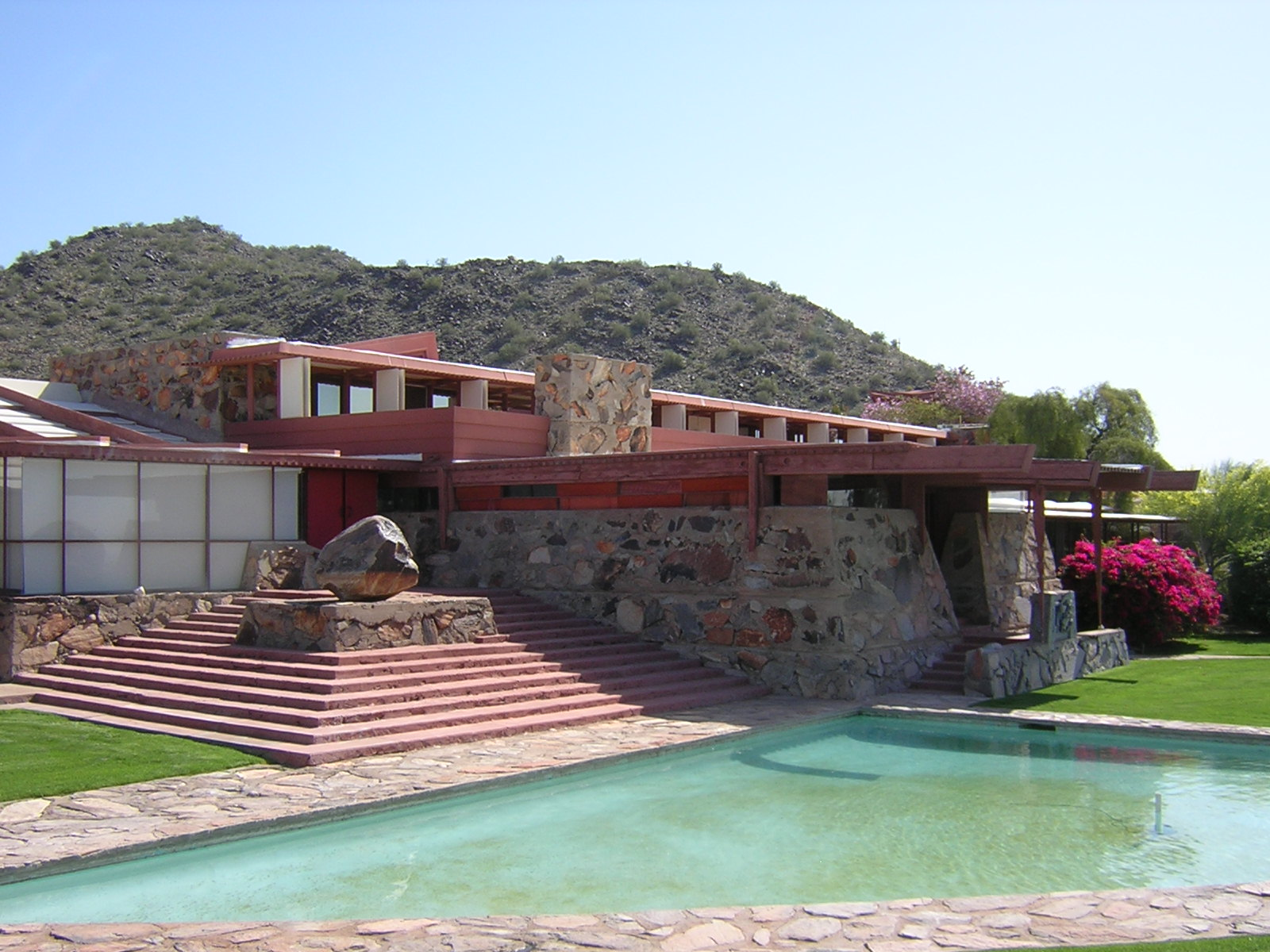 The magnificent frank lloyd wright designs midcityeast for Franks homes