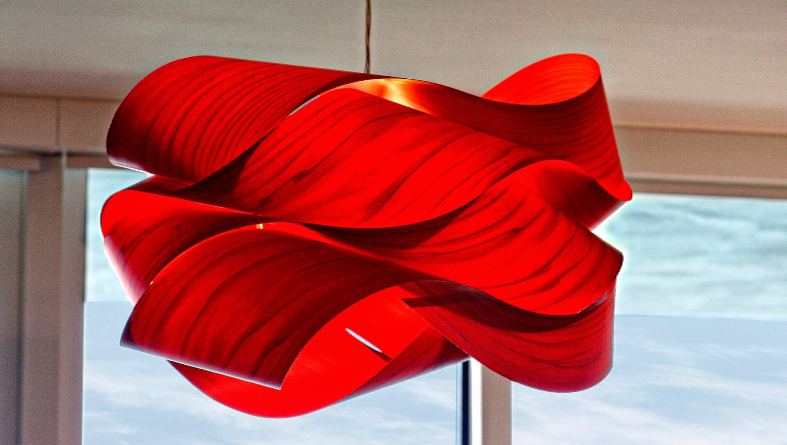 red pendant light 10