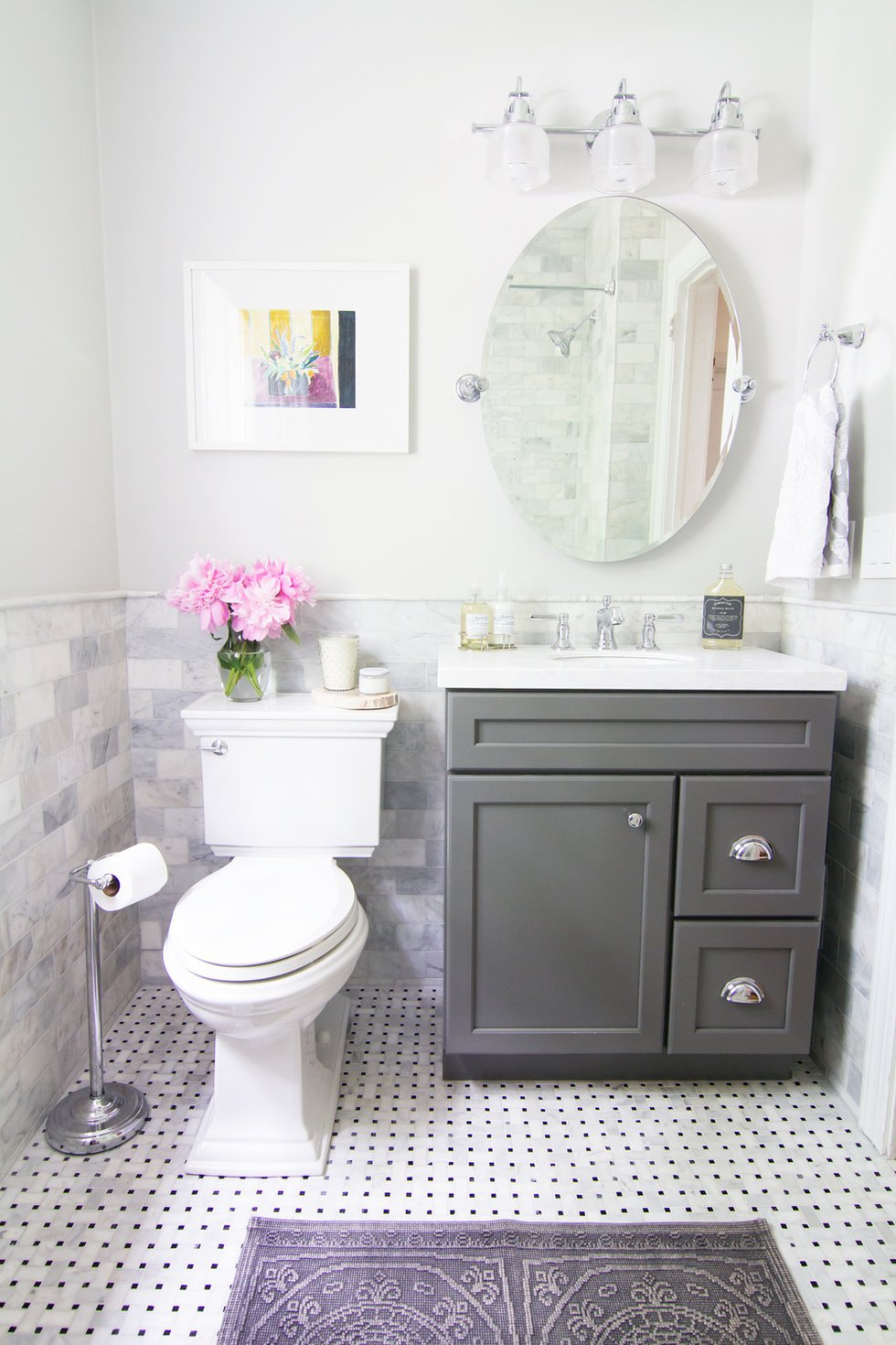 Modern and simple small bathroom ideas you can try at home for Bathroom decor for small bathrooms