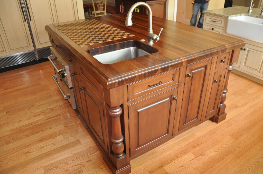 Classic Style Kitchen Island Made from Wood with Surprising Checker Board Top