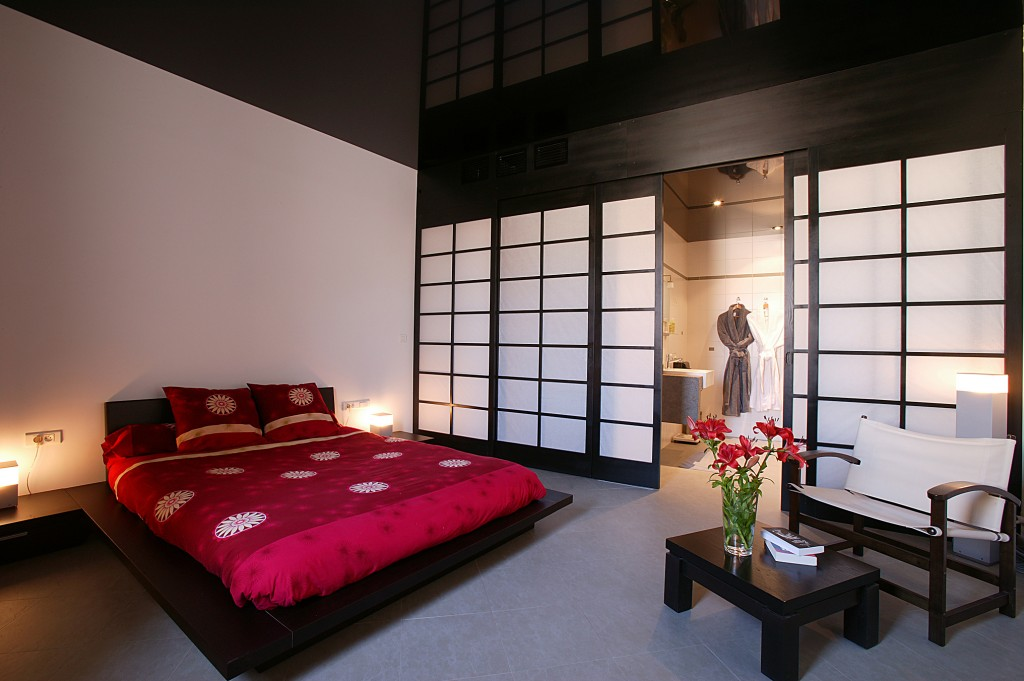 Modern Feng Shui Bedroom With Japanese Style Sliding Door And Floating Bed