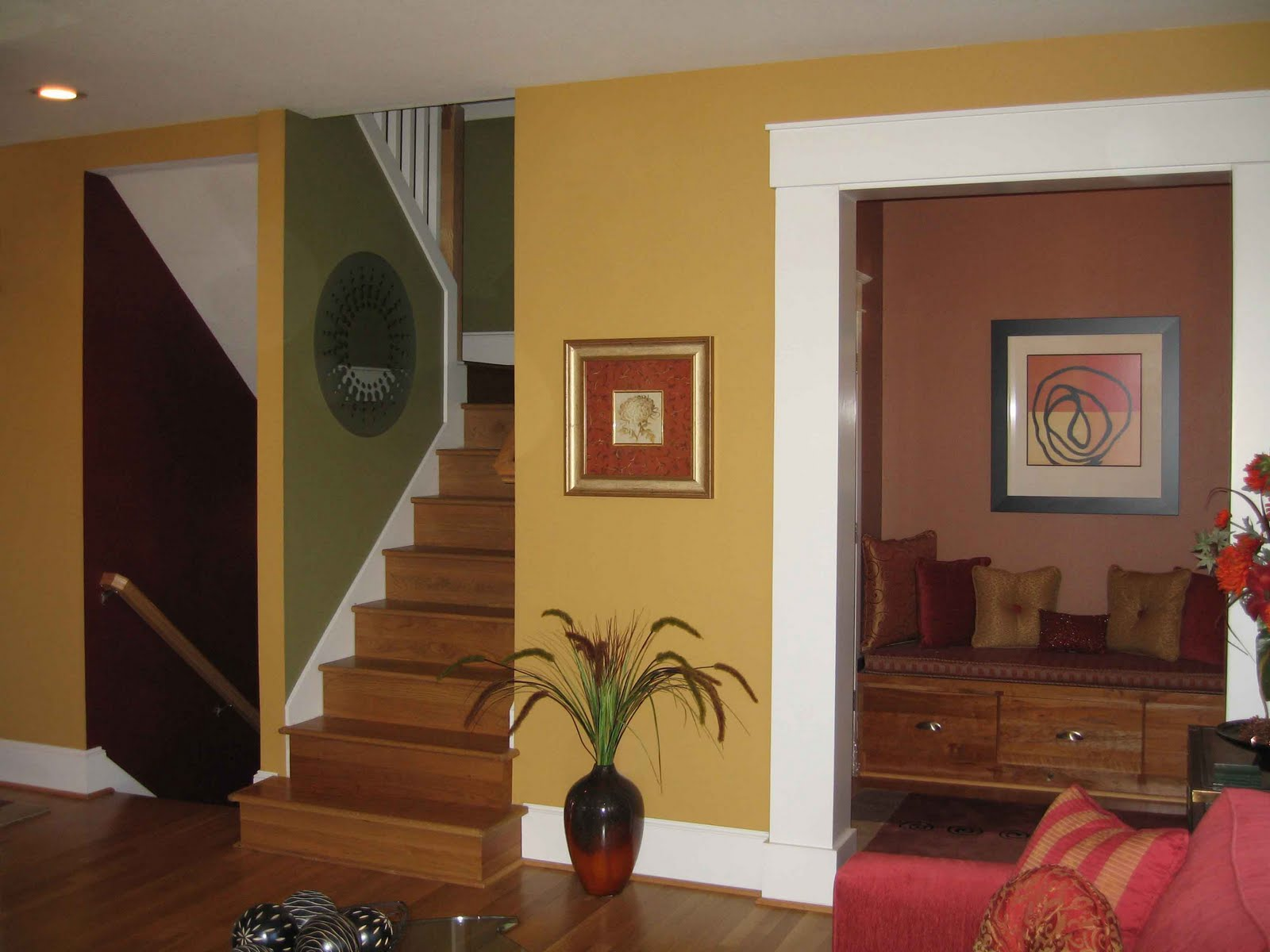 Image gallery house interior wall colors for Images of interior painted walls