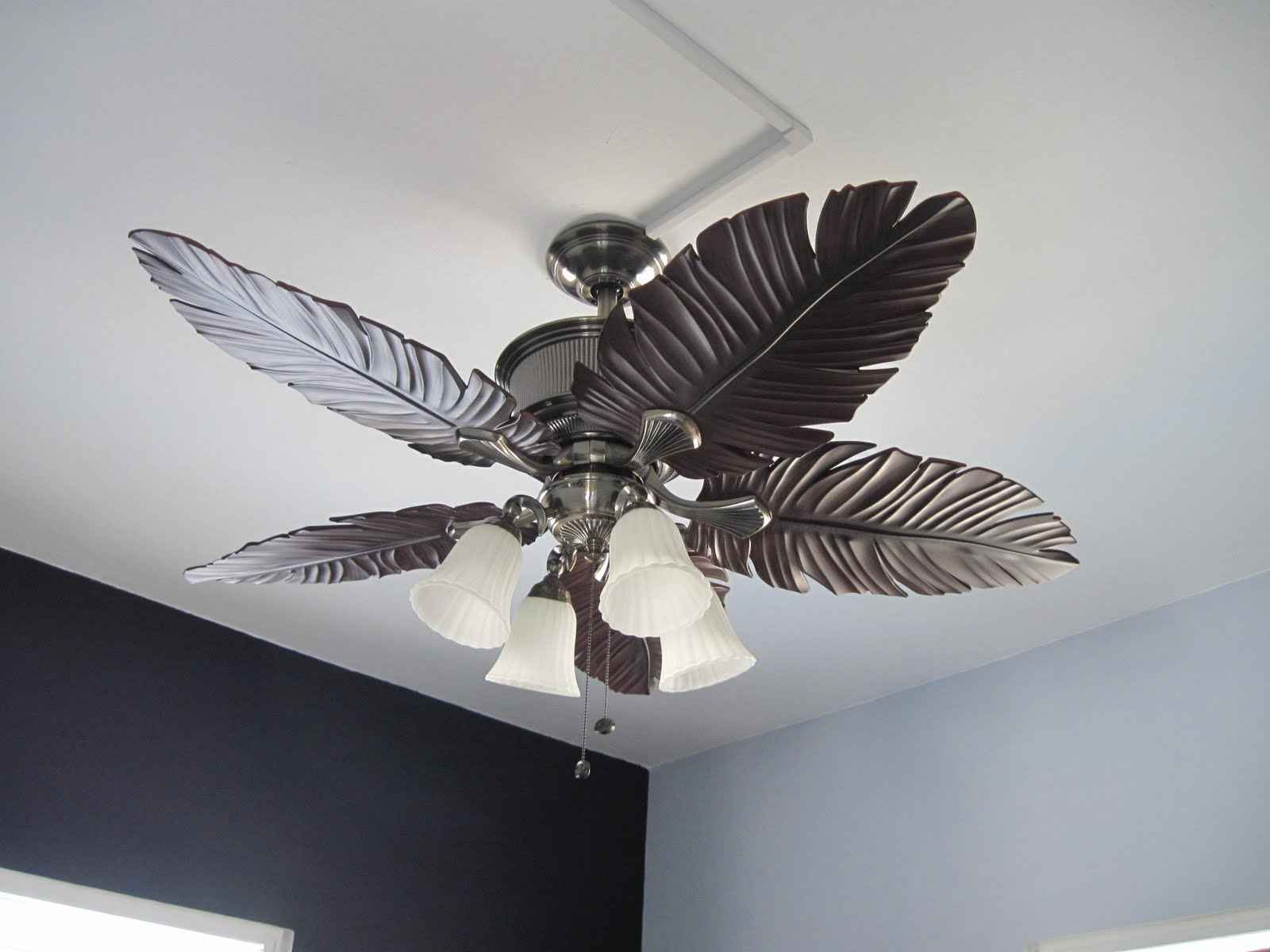 Merveilleux Artistic Carving On Elegant Modern Ceiling Fans Installed On White Painted  Ceiling In Fantastic Room