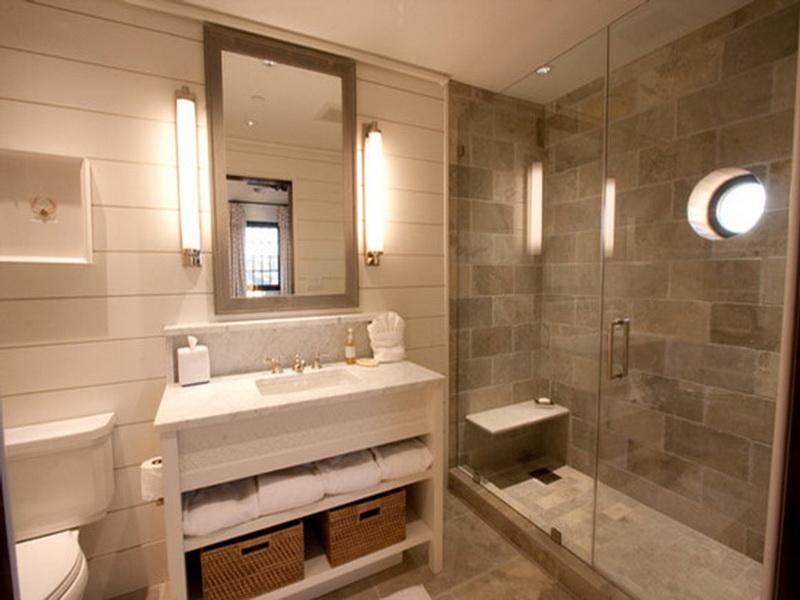 Beach Style Small Bathroom Adoption With White Rectilinear Wall And  Furnishing