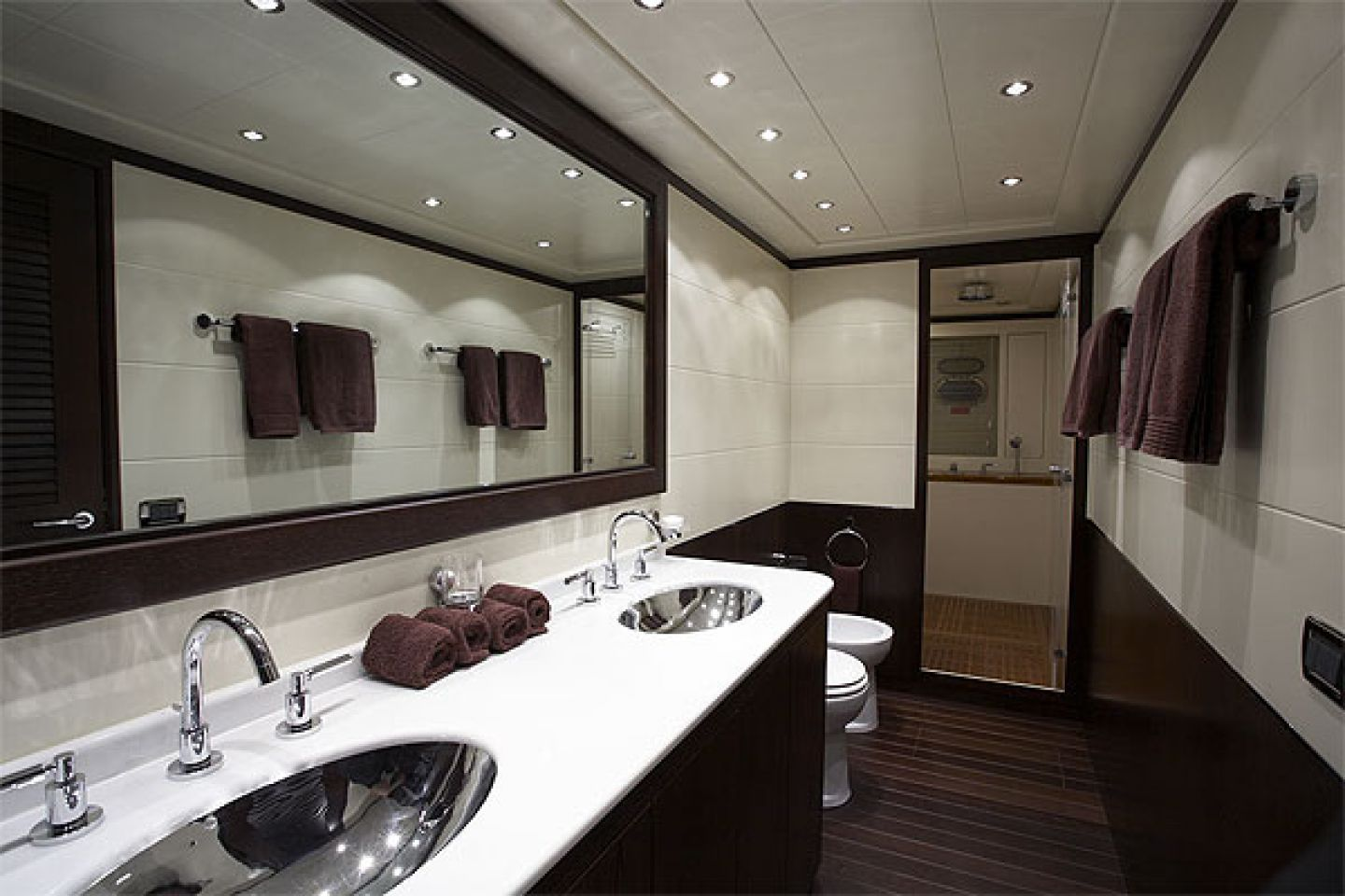 Black and White Small Bathroom with Simple Bathroom Star Ceiling Decor