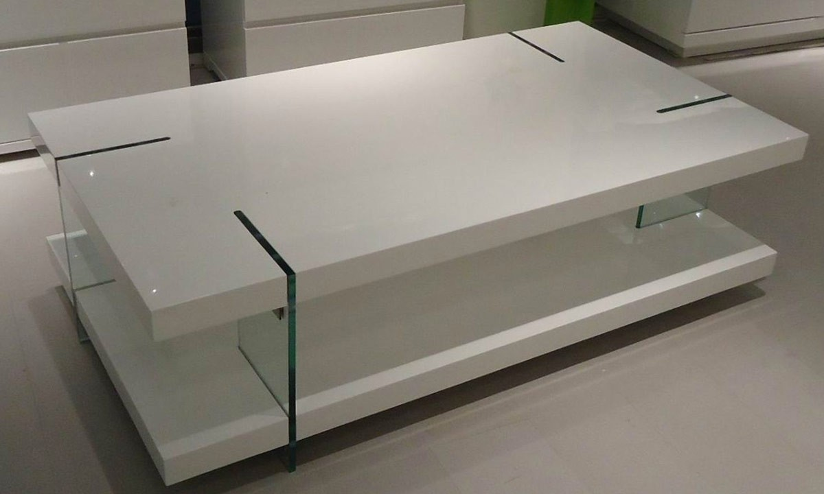 Brilliant Glass Panel Details in Modern Coffee Table with White Top and Minimalist Design