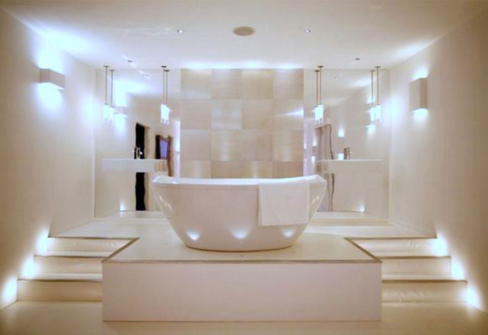 4 dreamy bathroom lighting ideas midcityeast for Bathroom lighting ideas