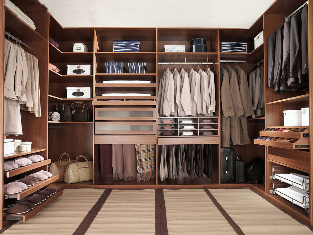 Beau Captivating Walk In Closet With Wooden Storage With Shelving And Drawers To  Keep Things