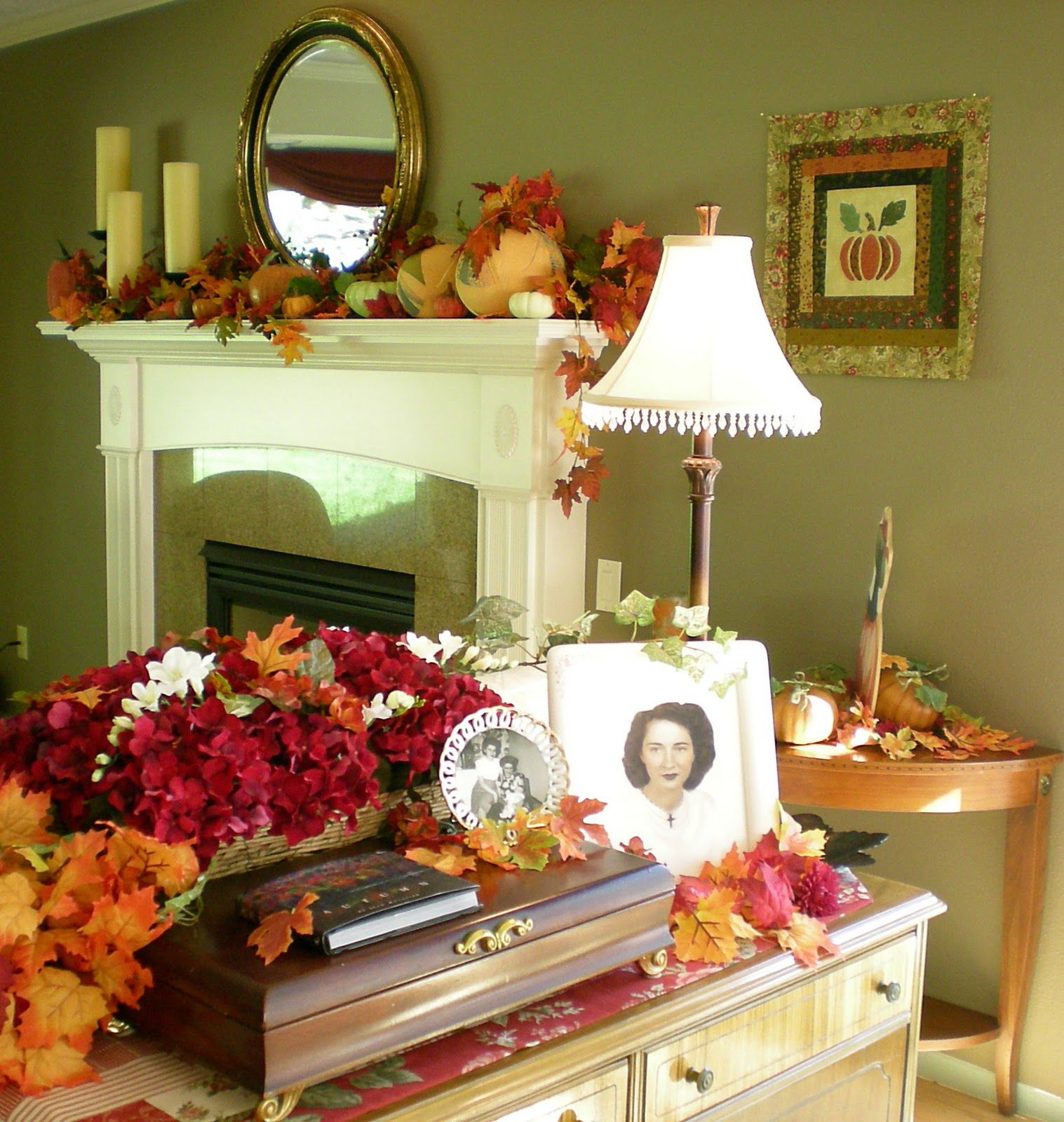 golden yellow main color to complete your fall decorating