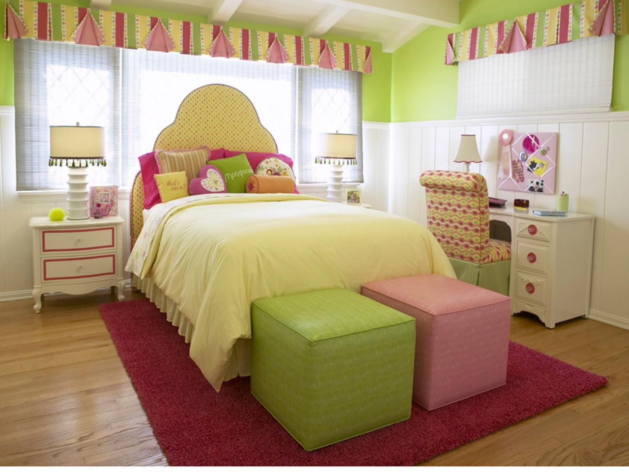 Comfy Girls Bedroom With Refreshing Atmosphere Represented By Green  Painting And Furnishing