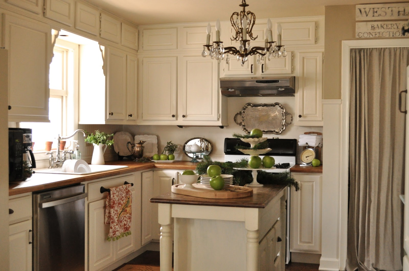 kitchen customization painted kitchen cabinets midcityeast - Painting Kitchen Cabinets Ideas Pictures