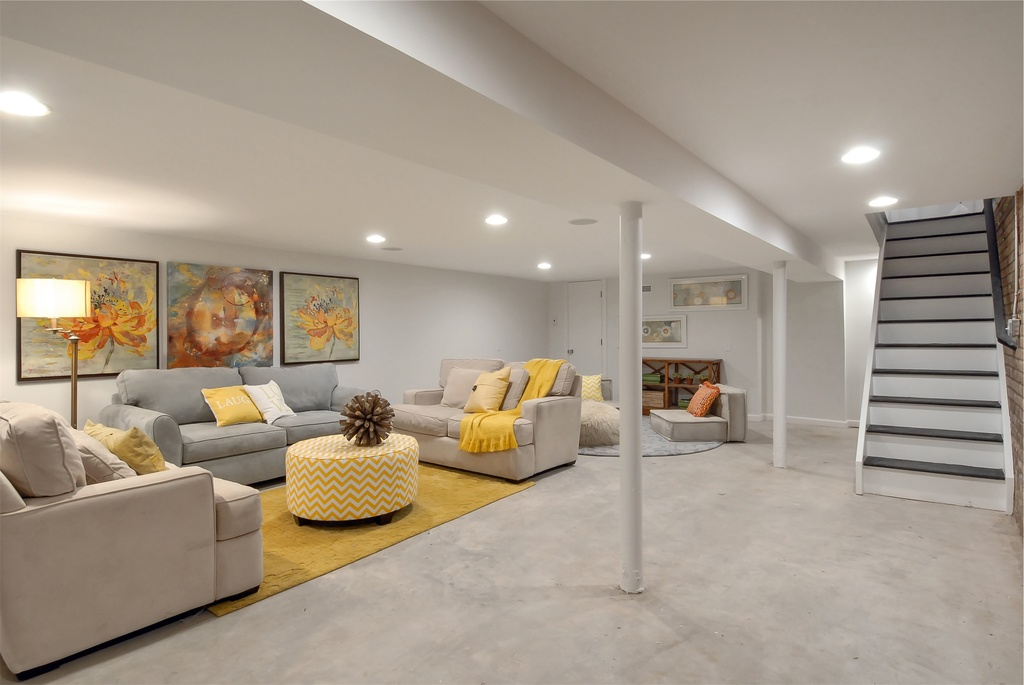 Charmant Contemporary Basement Flooring Option With Concrete Flooring To Meet Grey  Painting And Furnishing