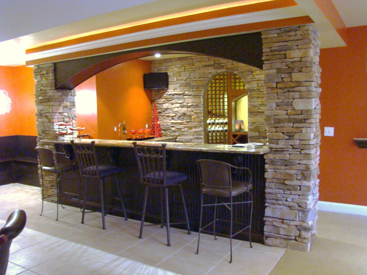 Having fun in the basement with these basement bar ideas midcityeast - Bar tops ideas ...