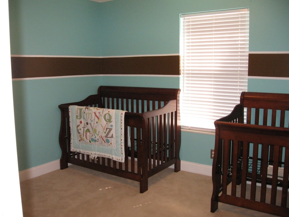 Gentil Cute Baby Boy Room For Twin With Wooden Cribs And Decorated Wall With  Horizontal Trim