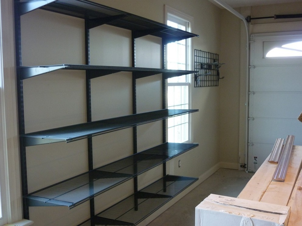 DIY Garage Shelving Ideas on Wall to Save more Space and to Provide Effective Storage