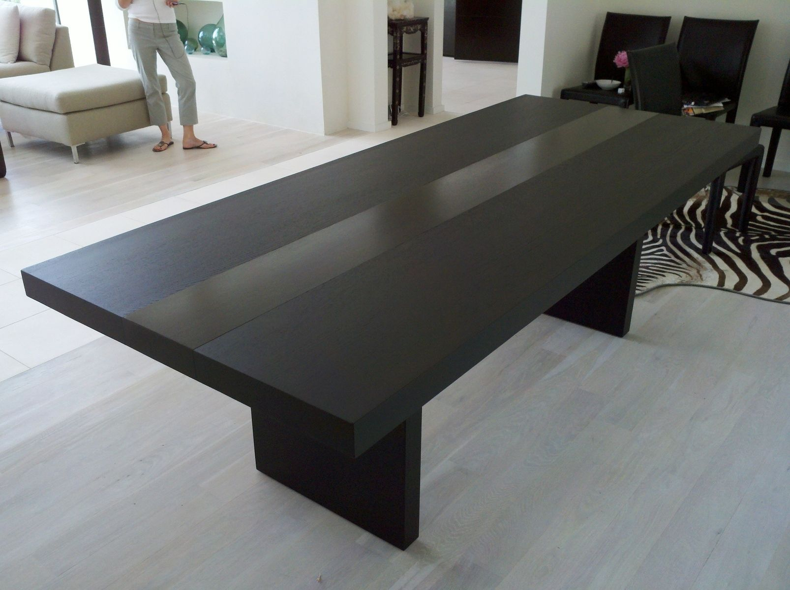 Entertain your guests with perfect dining table midcityeast for Large dark wood dining table