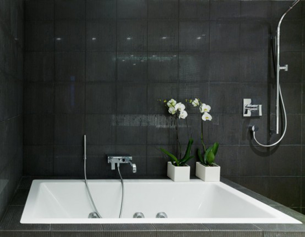 Dominating Black Accent of Bathroom Interior with White Tub Decorated with Flowers