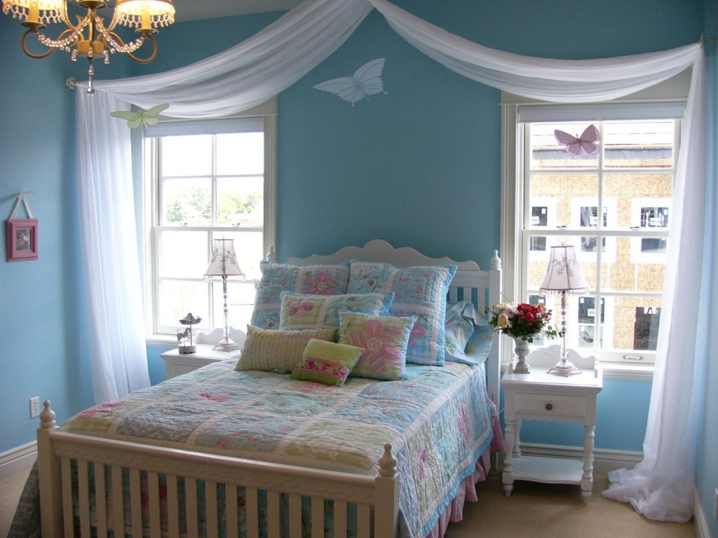 Attrayant Enthralling Teenage Bedroom Ideas With Shabby Chic Decoration And Blue  Paint Colors