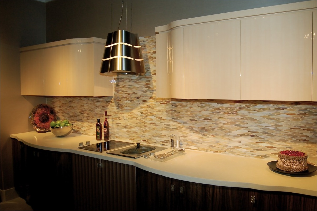 Excellent Neutral Color Scheme of Small Kitchen with Black and White Cabinets and Interesting Backsplash