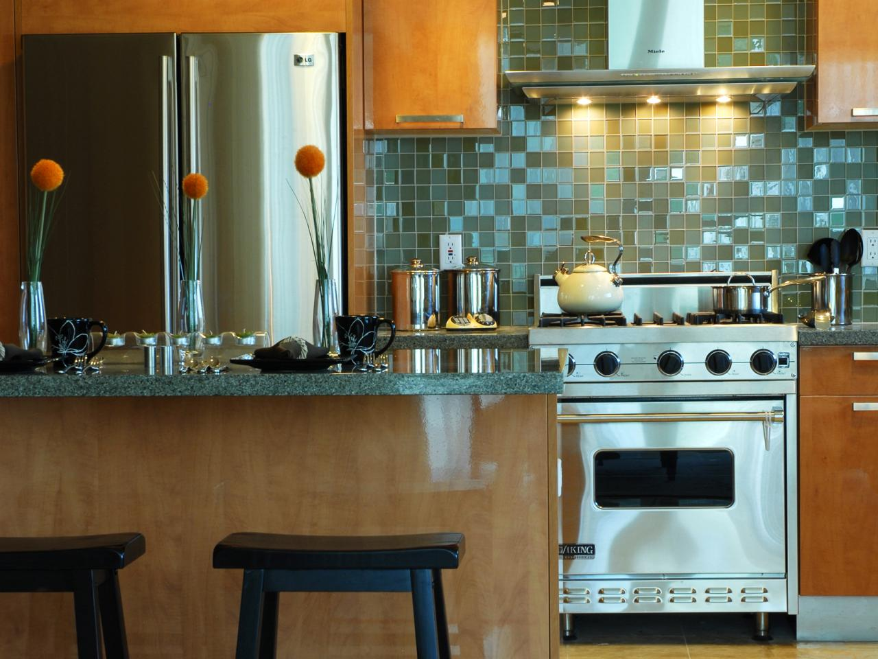 Grey Tile Backsplash and Glossy Range Hood in Appealing Kitchen Decorating Ideas with Oak Island and Black Stools