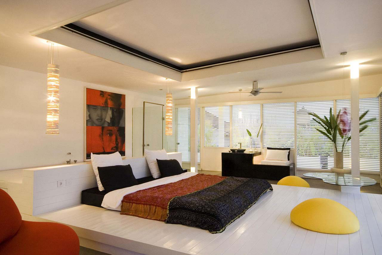 Interesting Lighting Features for Master Bedroom with Pendant and Ceiling Lamps