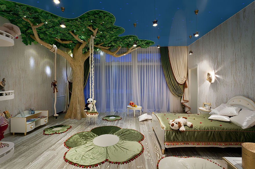 Bon Natural Themed Kids Room With Artificial Tree And Floral Shaped Rug