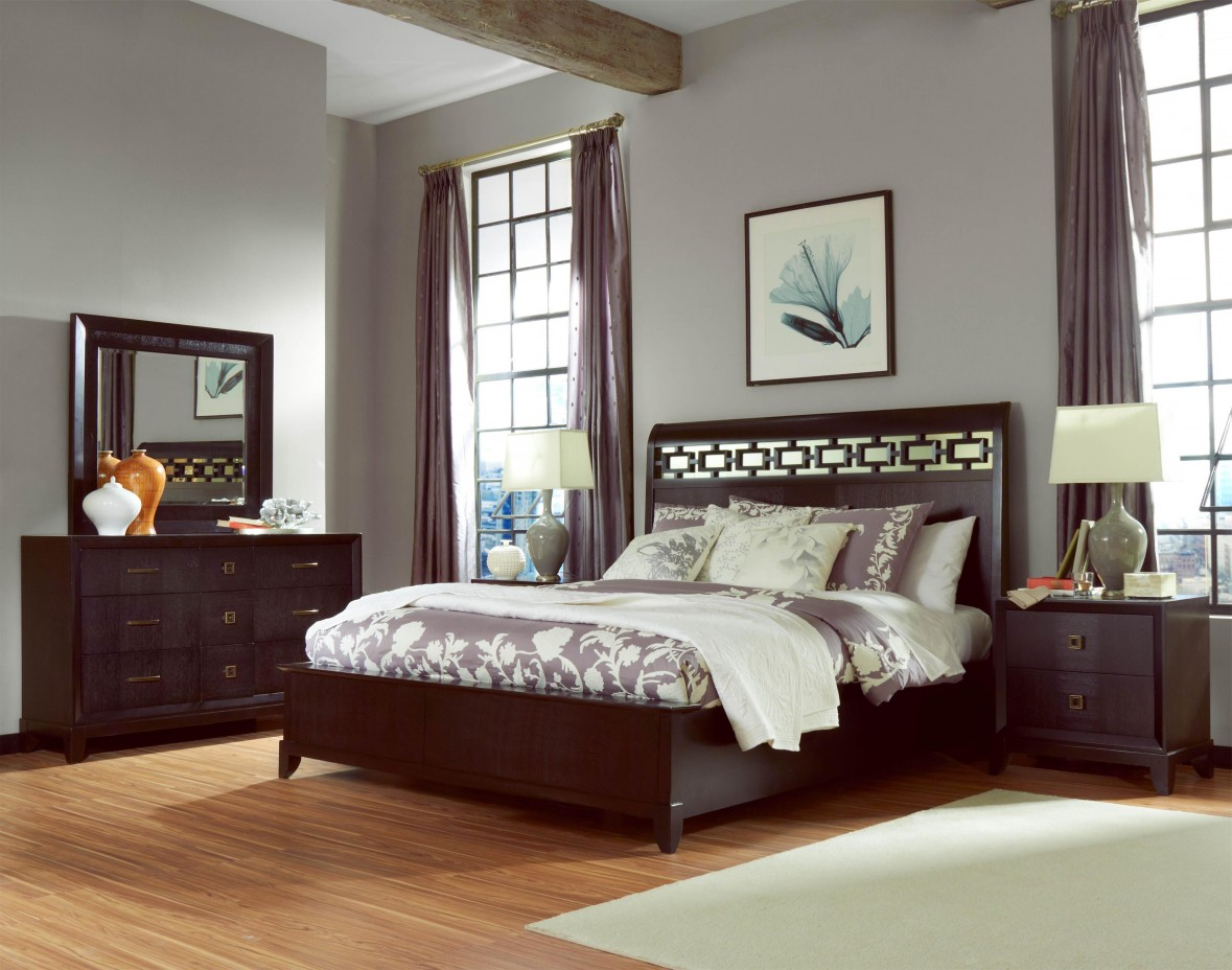 Gentil Old Fashioned Wooden Beams Inside Cozy Bedroom With Wooden Bed And Full  Size Headboards Near Dressers
