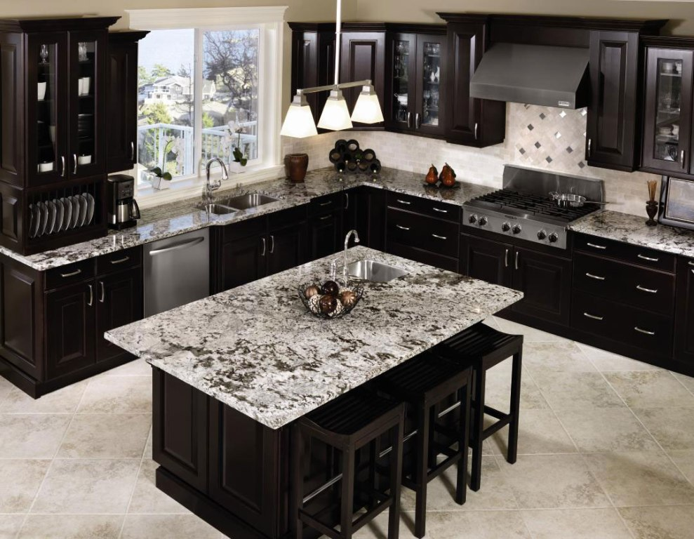 Patterned Marble Countertop Decorating Pure Black Kitchen Cabinets with Stainless Steel Handles
