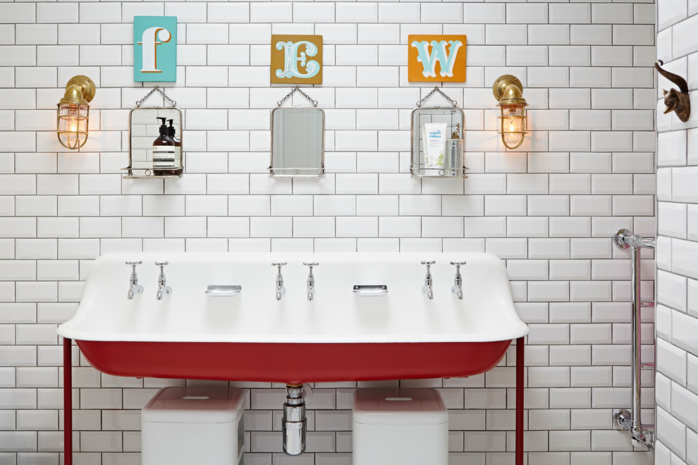Ordinaire Simple Kids Bathroom Ideas With Subway Tile Wall And Classic Sink With  Lighting Above