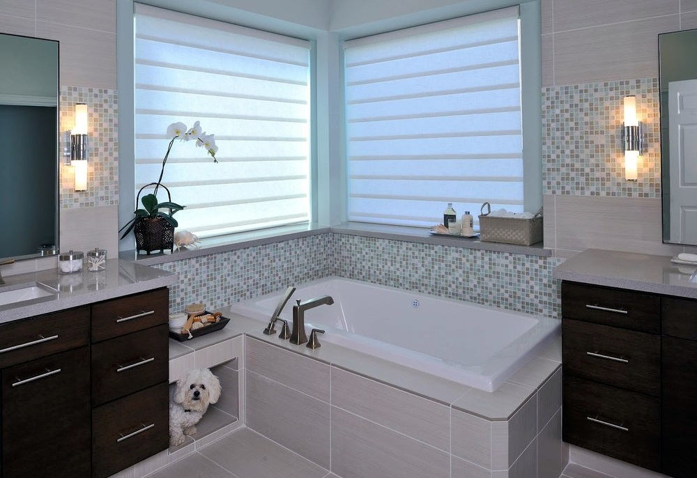 Simple Minimalist Blinds in White to Cover Windows of Small Bathroom with Tiled Wall