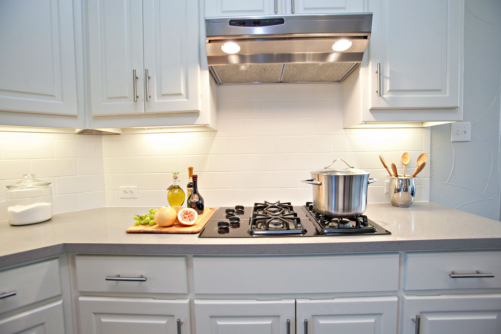 5 modern and sparkling backsplash tile ideas midcityeast Backsplash or no backsplash