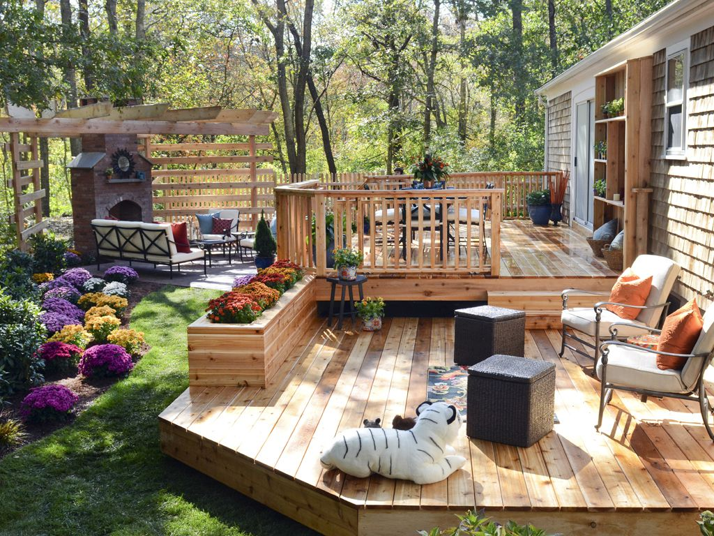 3 Super-Brilliant Deck Design Ideas - MidCityEast
