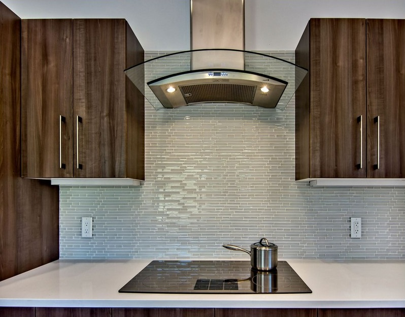 Advantages Of Using Glass Tile Backsplash MidCityEast Beauteous Images Of Glass Tile Backsplash Interior