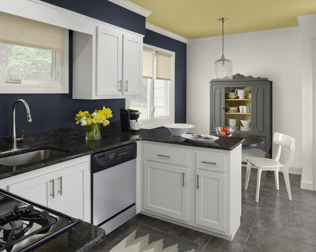 These kitchen color schemes would surprise you midcityeast for Kitchen wall colors with white cabinets
