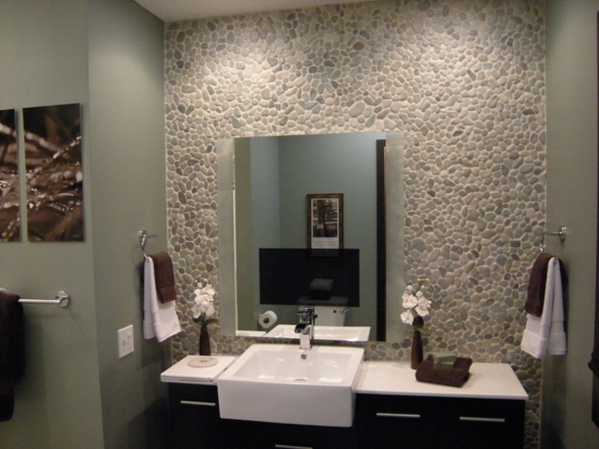 Surprising Stone Wall to Create Bathroom Focal Point with Black and White Vanity