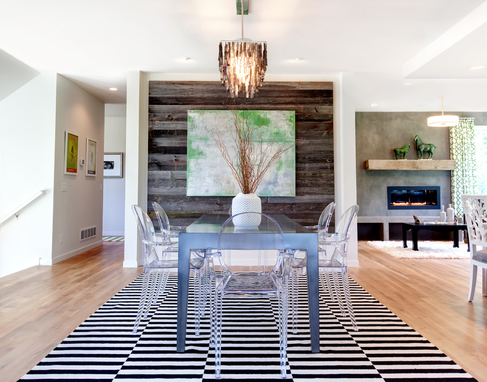 Surprising Wood Paneling for Decorative Focal Point with Mounted Painting