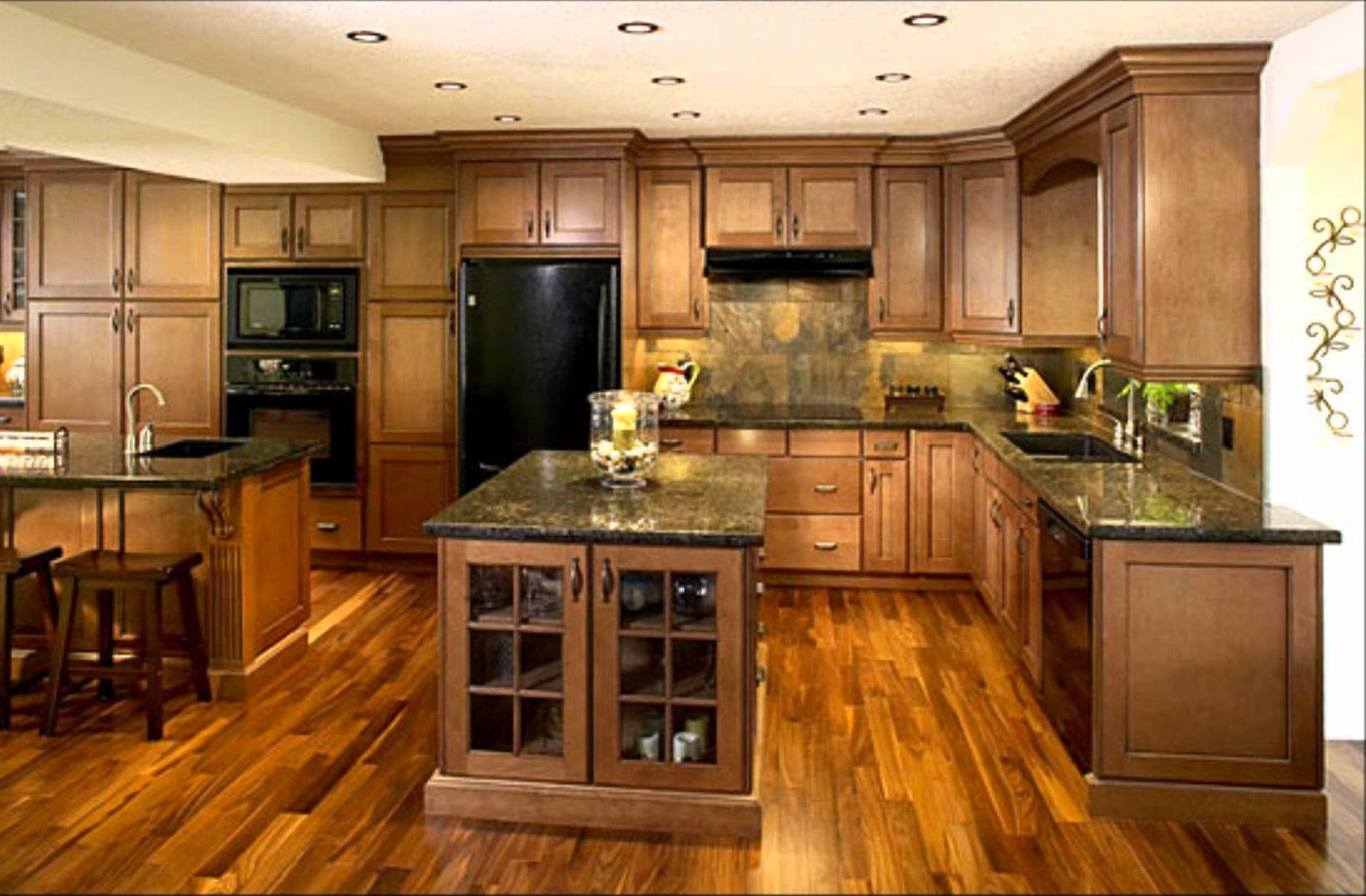 Traditional Kitchen with Full of Wood Accents for Furnishing and Flooring