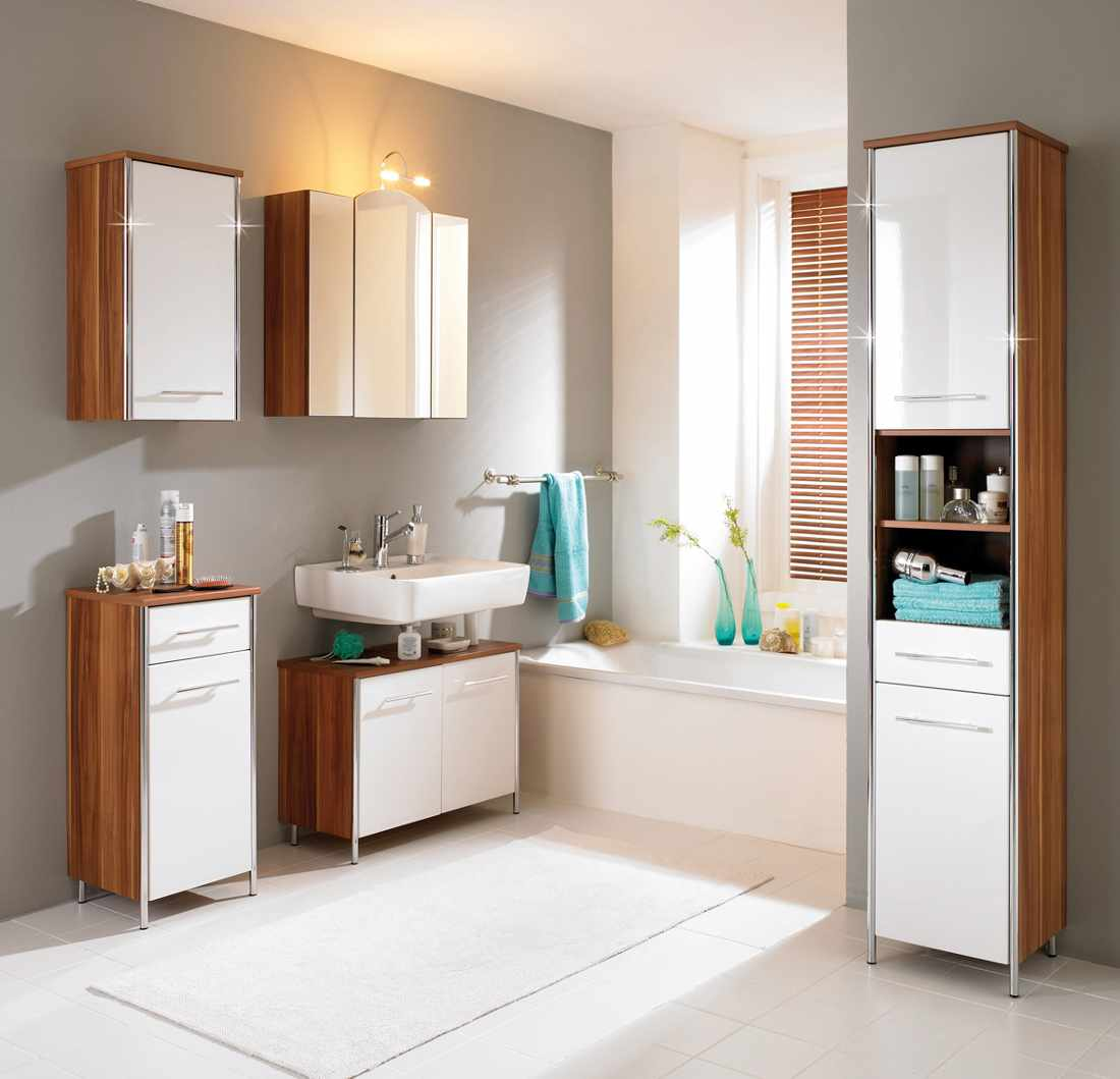 Nice Vertical Vanity And Wall Cabinets Surrounding Built In Tub To Maximize Bathroom  Storage