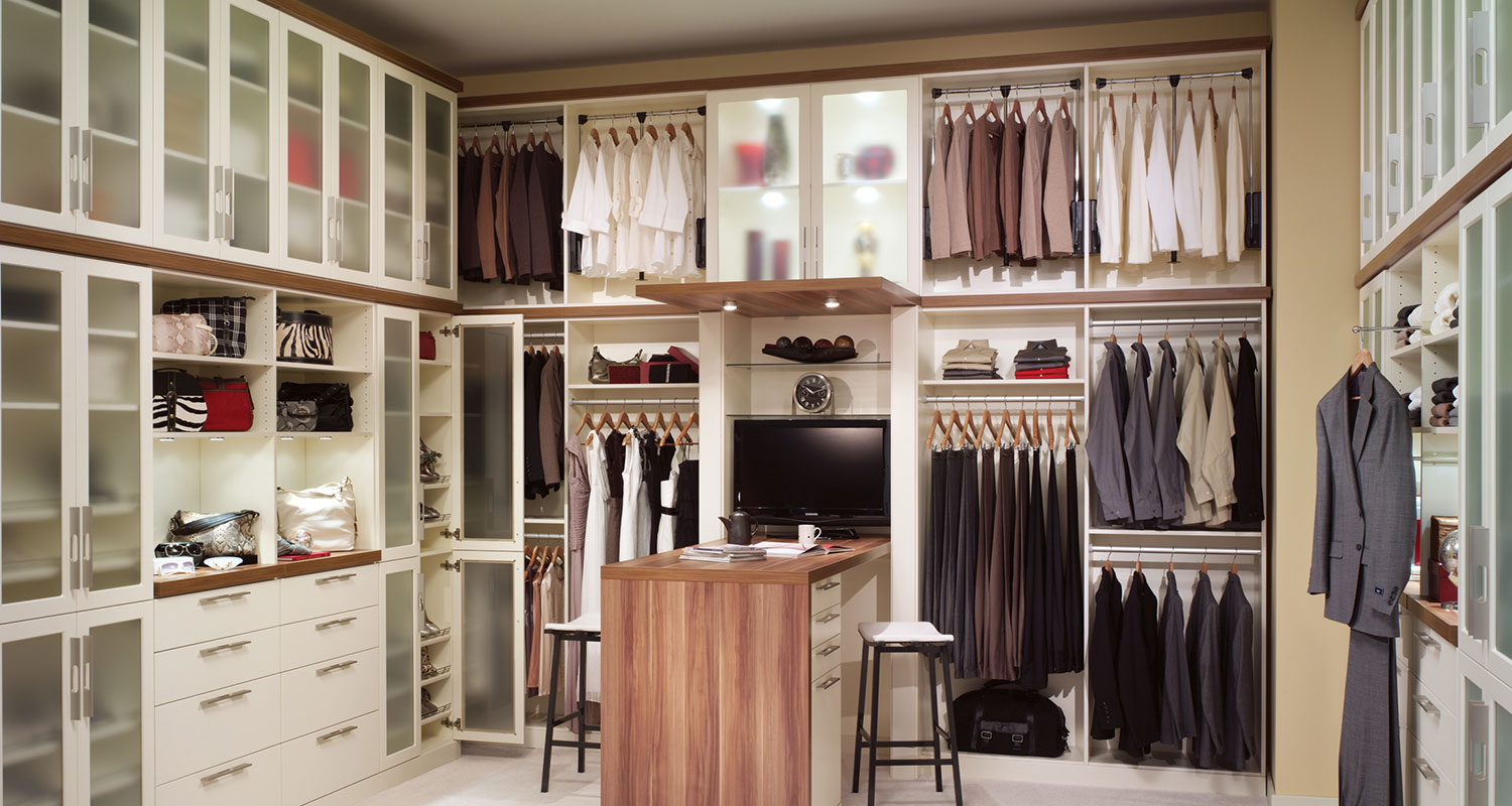 Smart tips for a closet storage ideas midcityeast for Adding a walk in closet