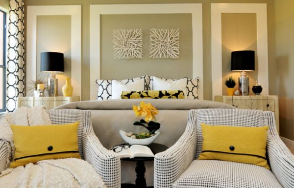Delicieux Alluring Bedroom Wall Art Between Twins Dark Lamp Plus Chic Yellow Color  Accent