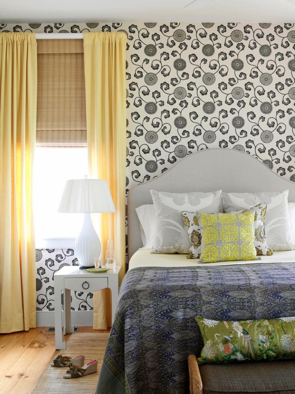 Alluring Wallpaper Motive close Bright Glass Window plus Chic Accessory