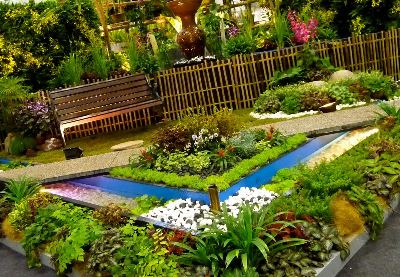 Create beautiful garden on your home with flower garden for Garden ideas 2016