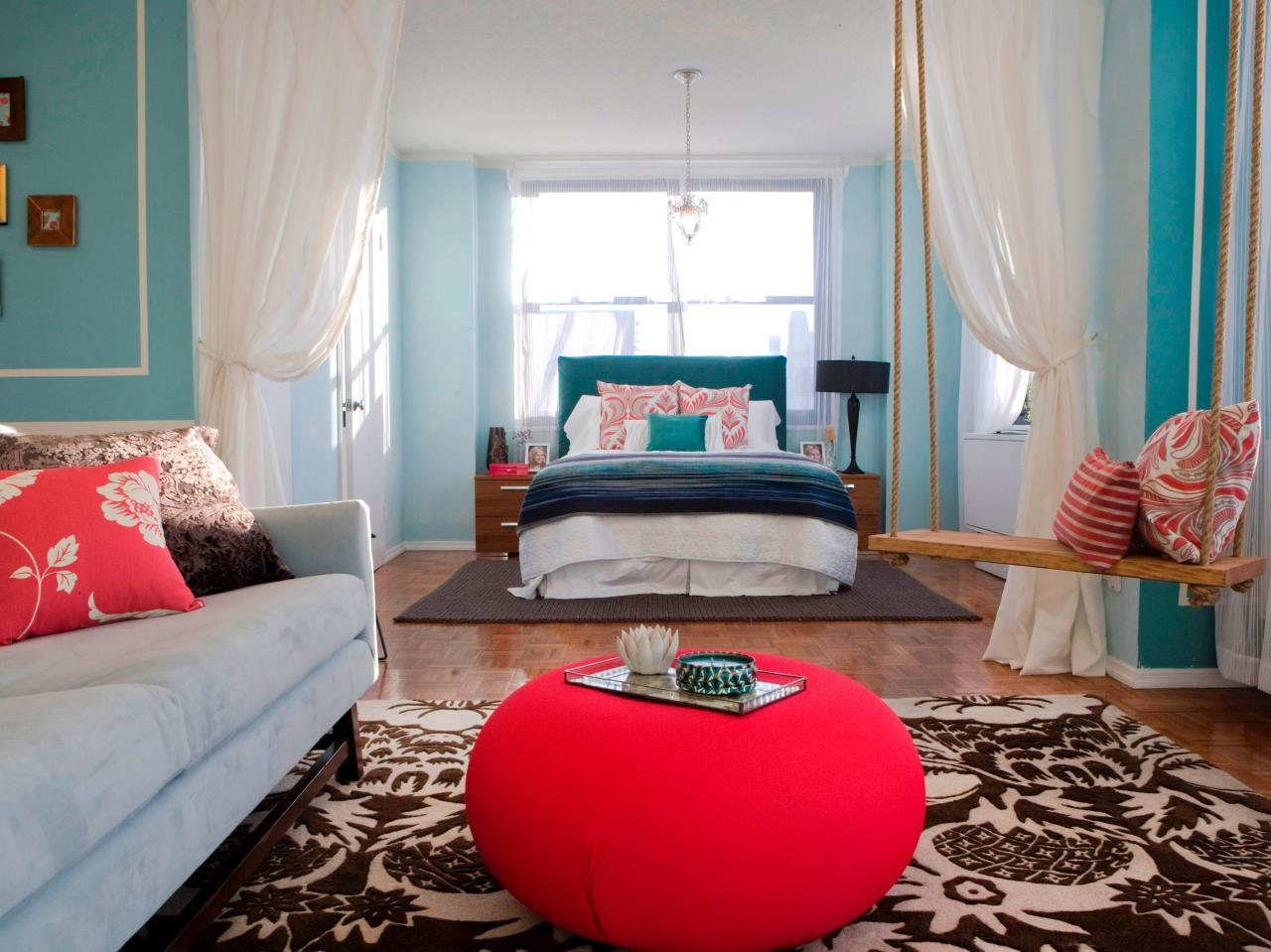 Chic Accessory Design Ideas With Red Bench On Nice Carpet