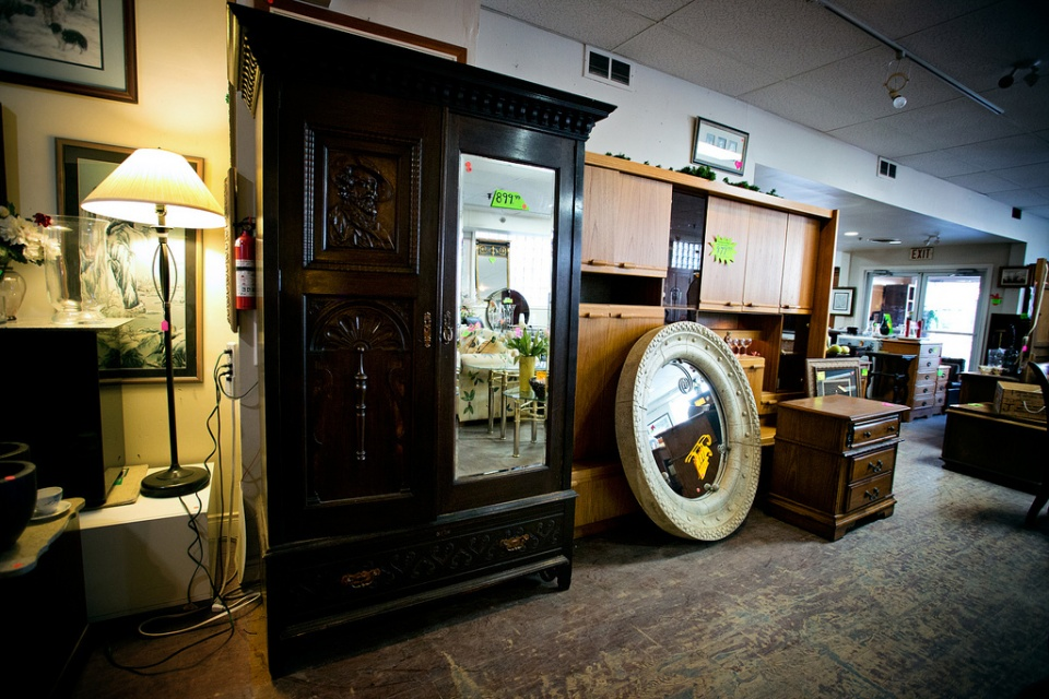 Choose this Classic Cabinet as Wonderful Second Hand Furniture for your Gorgeous Room