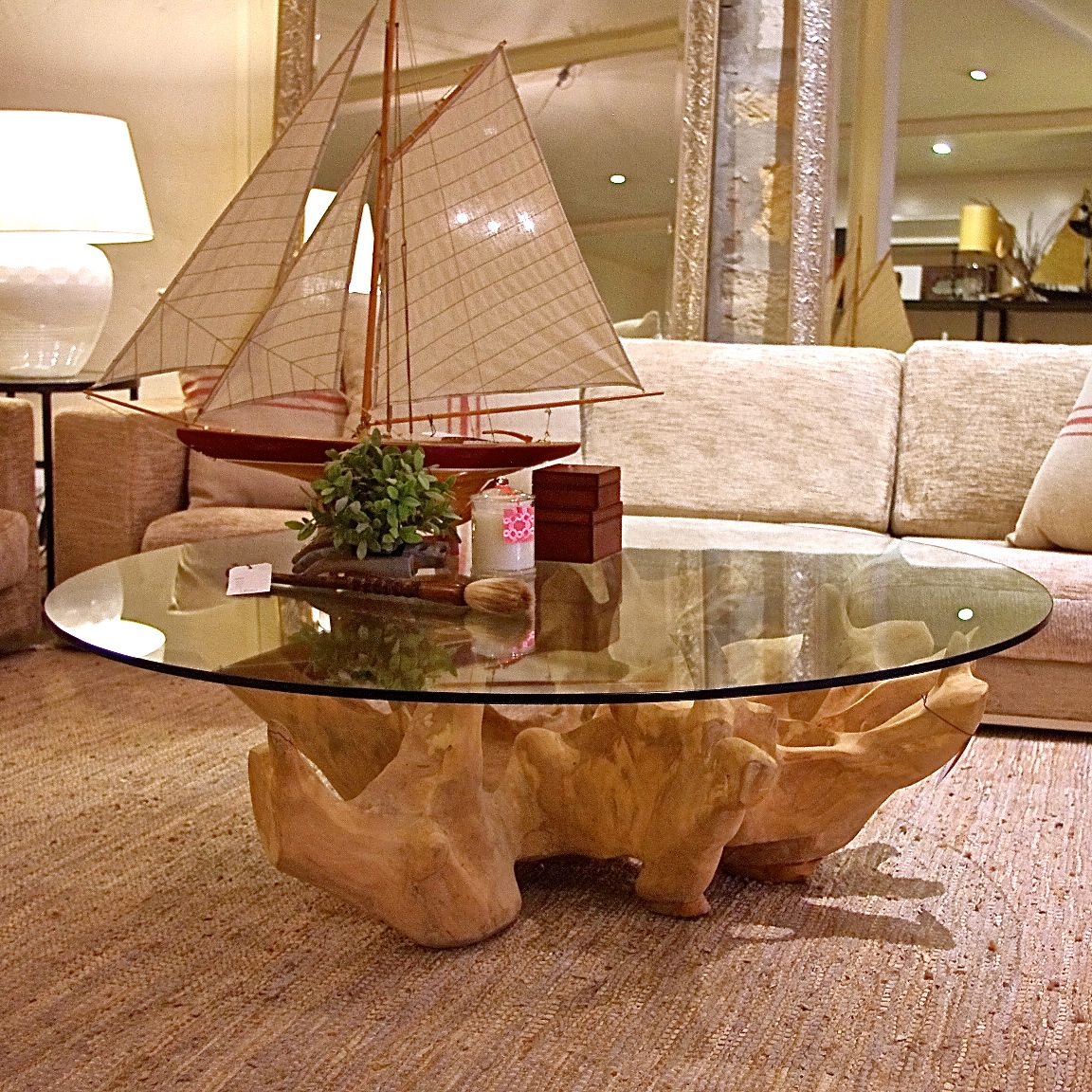 Various ideas of the round glass coffee table for your for Glass living room table