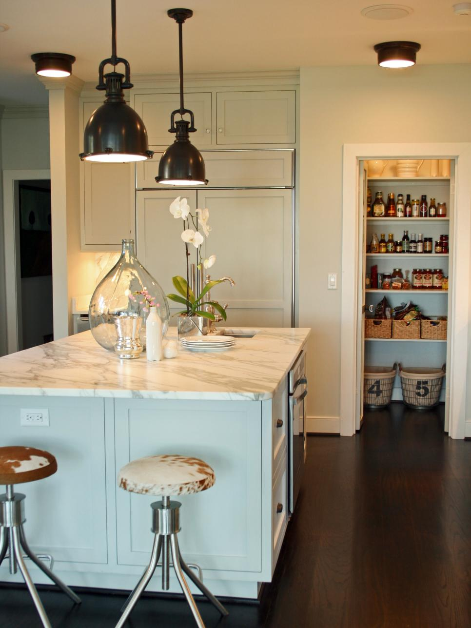 Combine White Island and Black Kitchen Lighting Ideas for Traditional Kitchen with Round Stools