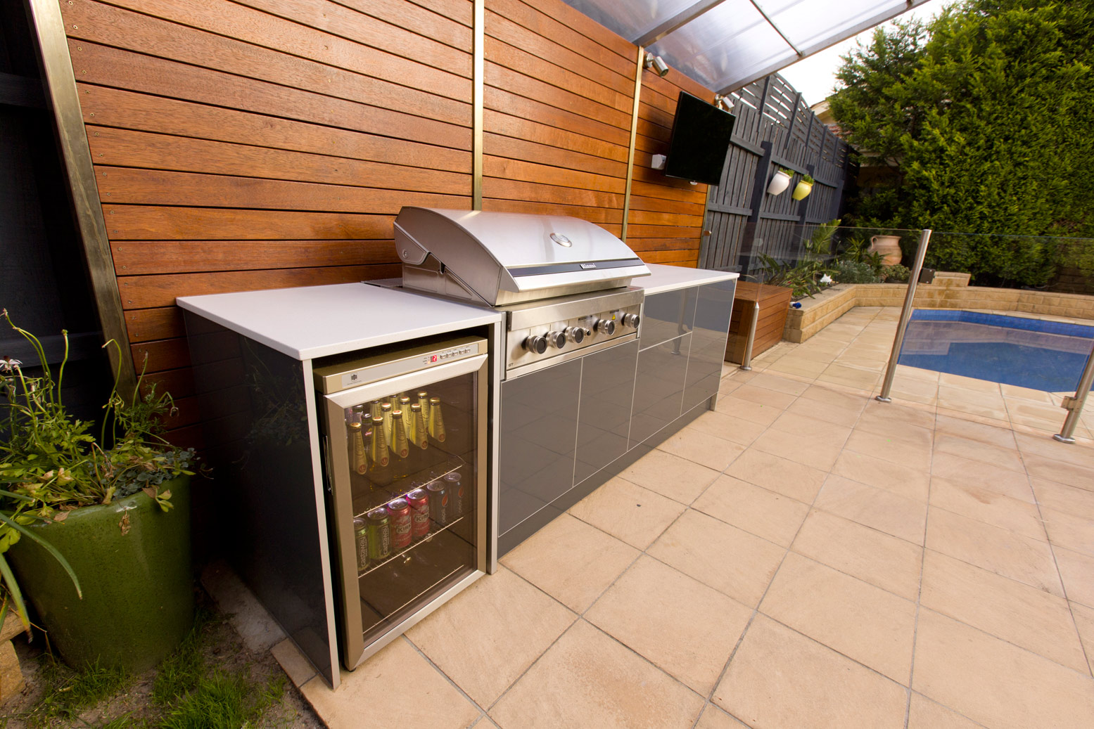 The various recommendations and ideas of the materials of for Backyard barbecues outdoor kitchen