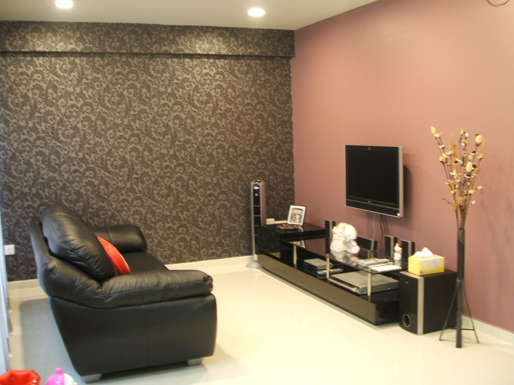 Beau Complete Sitting Room Using Grey Wallpaper And Appealing Living Room Paint  Ideas Near Leather Sofa