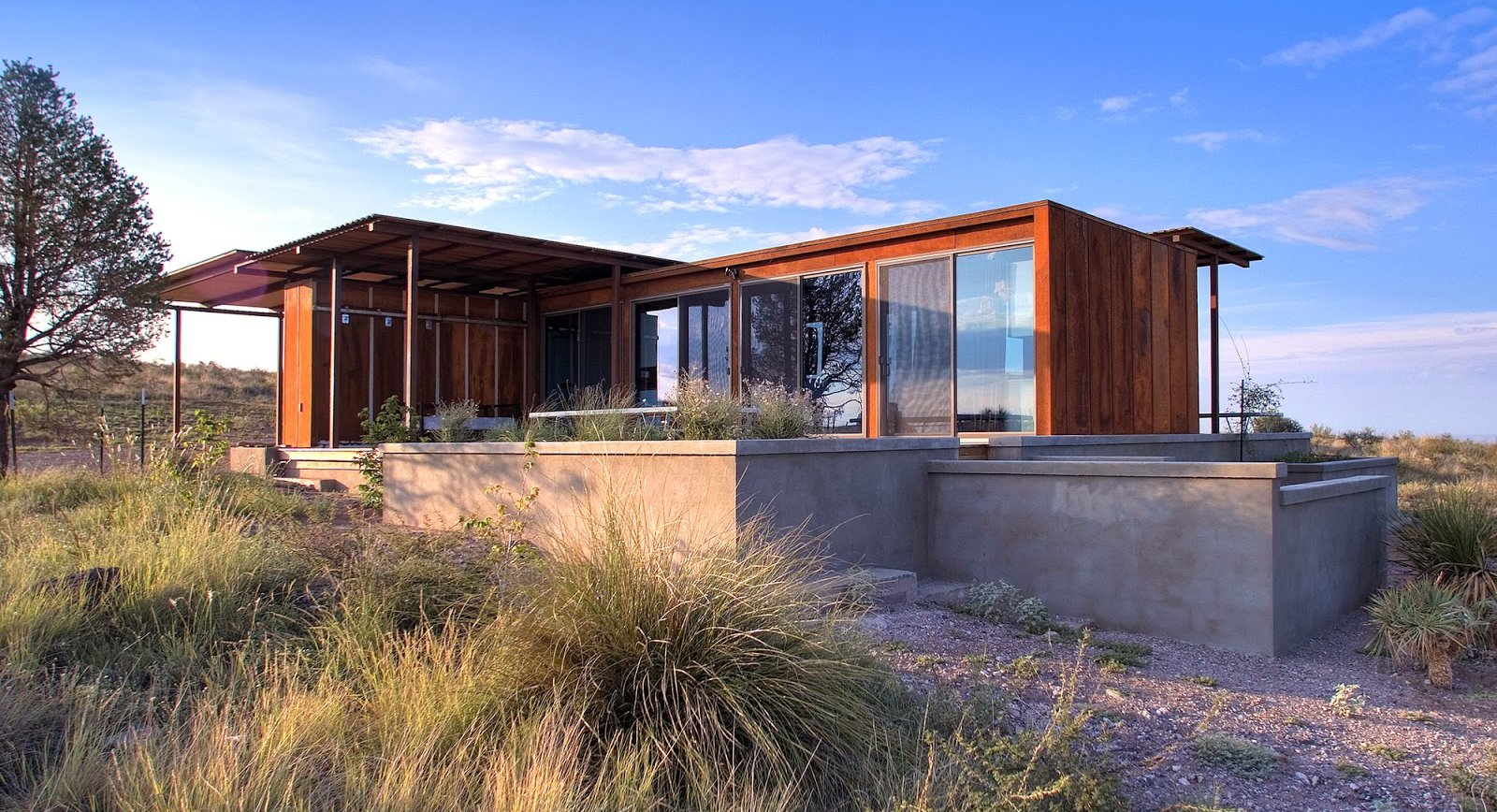 Attirant Complete Small Prefab Homes With Glass Windows And Wooden Wall Near Canopy  Pergola